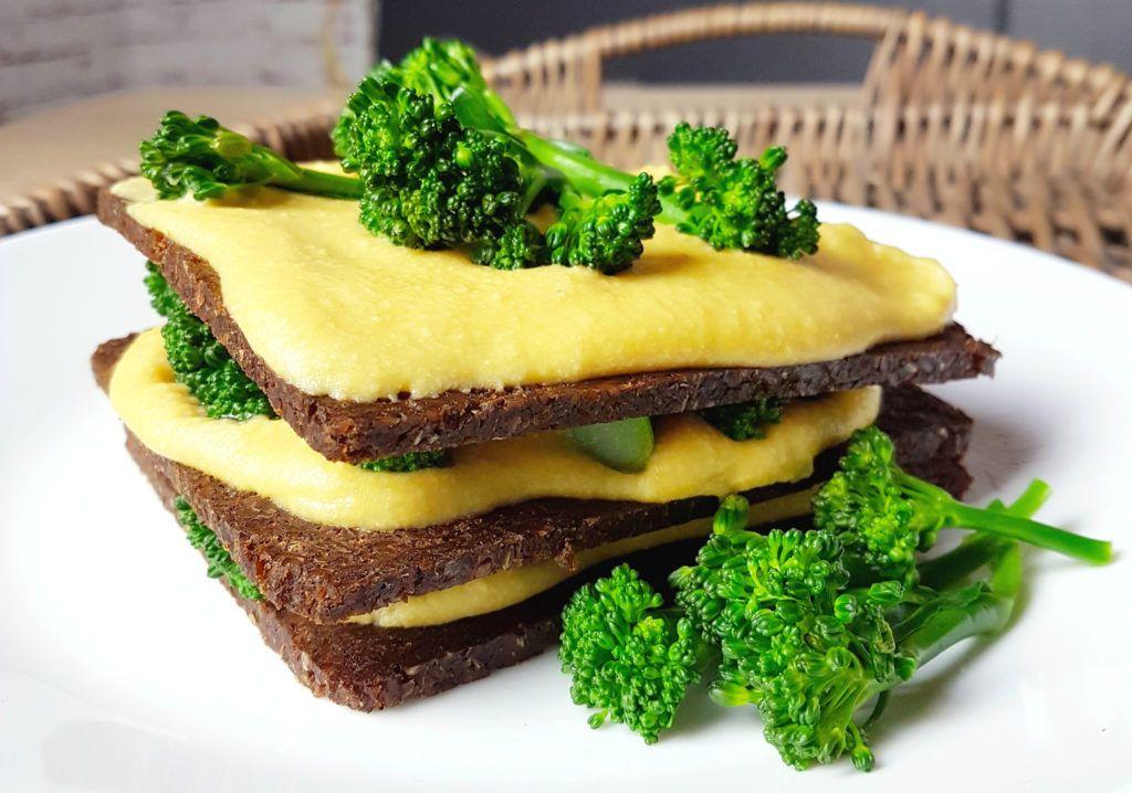 veganer Pumpernickel Schmaus mit Kartoffelcreme