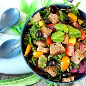 veganer Brotsalat, Resteverwertung von altem Brot