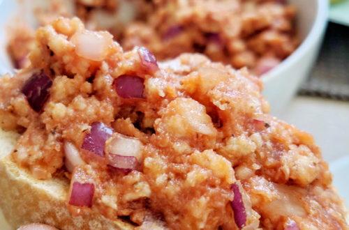 einfaches veganes Zwiebelmett aus Reiswaffeln